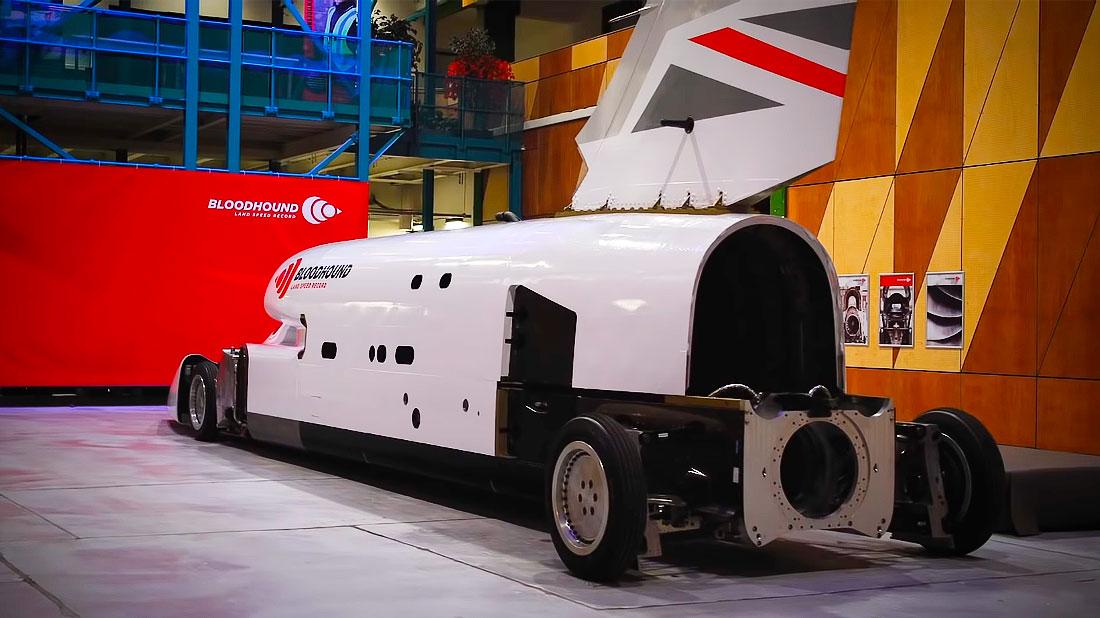 автомобиль ракета Bloodhound LSR
