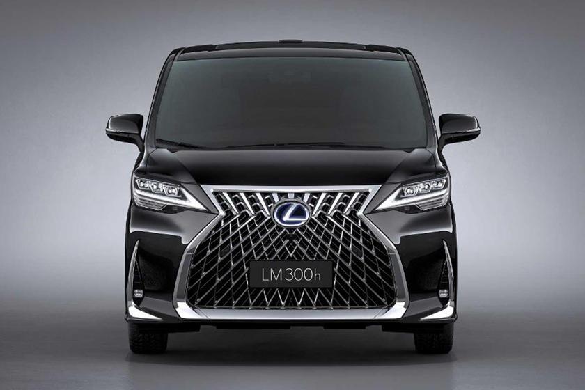роскошный минивэн Lexus LM